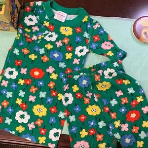 EUC Green 🌸 Flower PJs